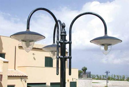 Lampioni da esterno in rame for Lampioni per esterno